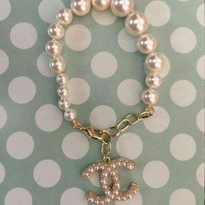 Chanel Metal Glass Pearls Classic CC Logo Bracelet